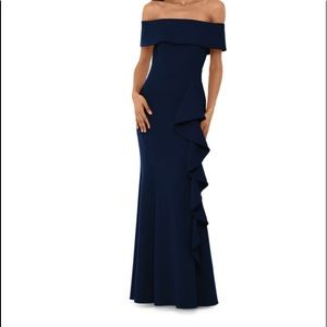 Betsy &  Adam off-The-Shoulder Gown Size 6